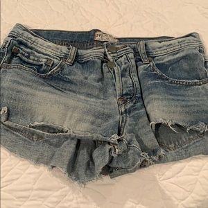 FREE PEOPLE JEAN CUT OFF SHORTS SIZE 27
